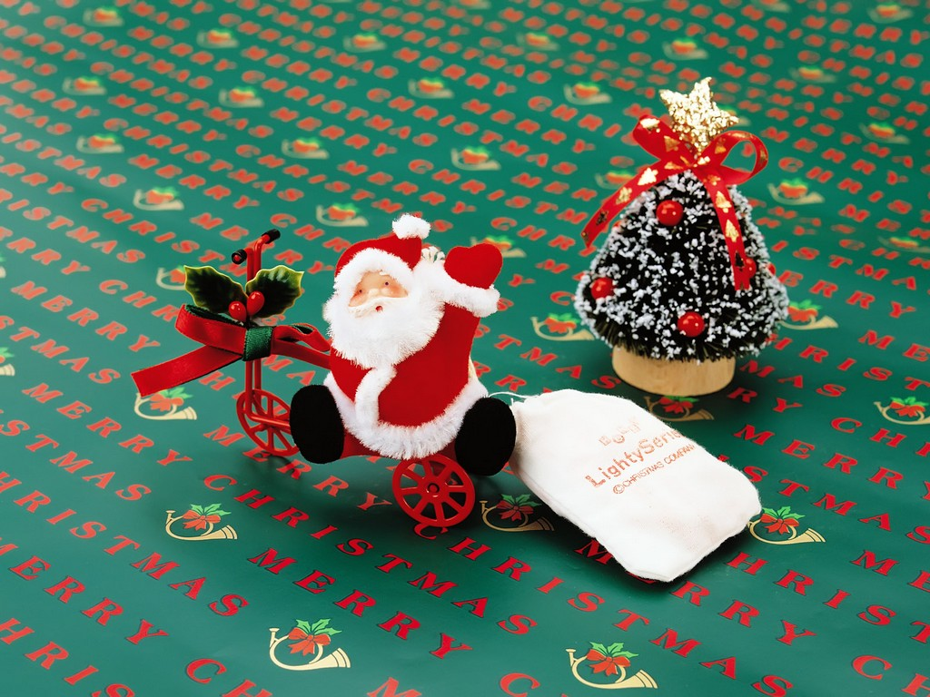 where can i find cheap cute christmas decorations, hawaian christmas decorations