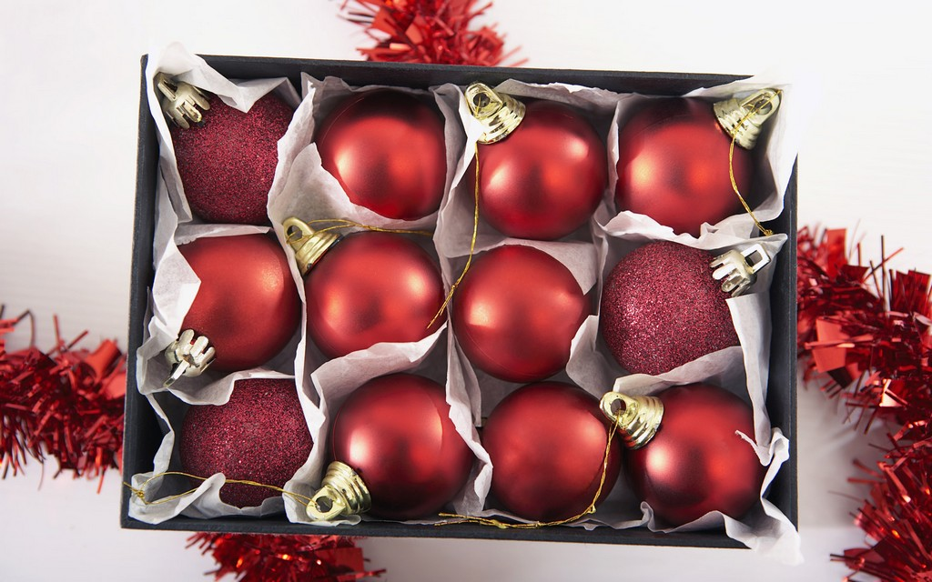 animated christmas balls, christmas animated deer, free animated christmas backgrounds, animated disney christmas