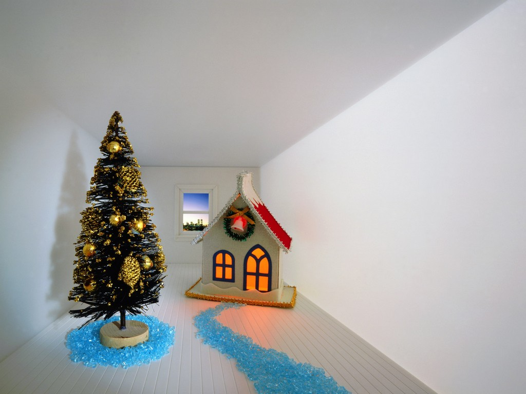 winning decorated christmas trees, decorated miniature artificial christmas trees, decorated christmas trees with ribbon